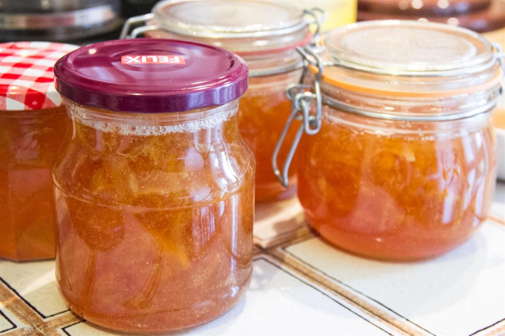 Canning the marmalade