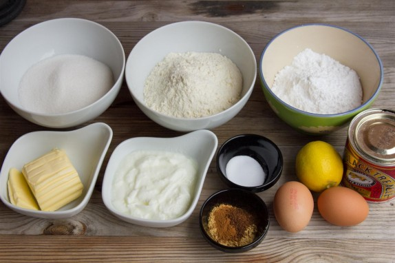Soft Gingerbread Cake ingredients
