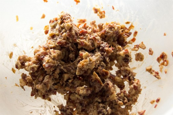 Date and nut stuffing
